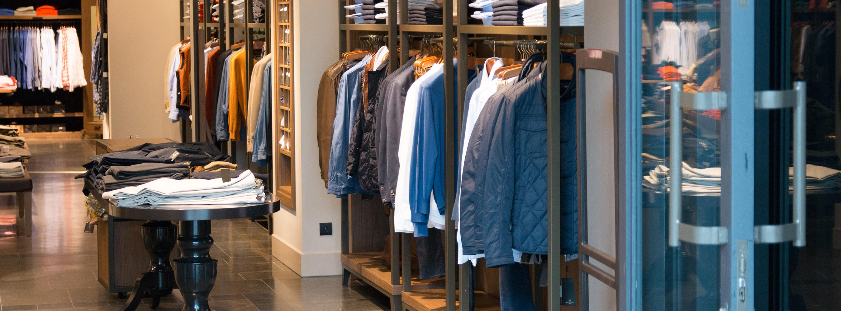 Bringing Your Store to Light: 10 Dos and Don'ts of Retail
